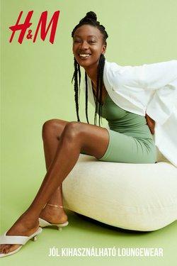 Ruházat, cipők és kiegészítők kínálat H&M katalógusában, ( 24 nap)
